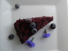 Currant & blueberry rawcake
