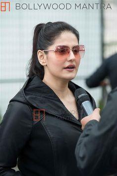 Indian Actresses, Actors & Actresses, Zarine Khan, Beautiful Places To Live, Hindi Actress, Indian Beauty Saree, Hd Picture, Sonam Kapoor, Beautiful Indian Actress