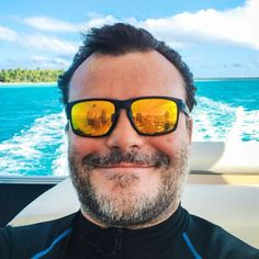 My fav actor. This Man, My Man, Oakley Sunglasses, Mens Sunglasses, Streaming Hd, Hollywood, Portraits, Jack Black, Handsome Boys