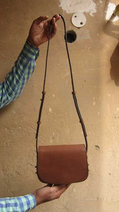 Caramel Little Stefanie, Chiaroscuro, India, Pure Leather, Handbag, Bag, Workshop Made, Leather, Bags, Handmade, Artisanal, Leather Work, Leather Workshop, Fashion, Women's Fashion, Women's Accessories, Accessories, Handcrafted, Made In India, Chiaroscuro Bags - 10