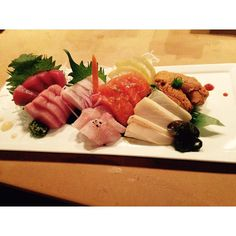 Large Sashimi platter prepared recently. Bigeye Tuna Bluefin Tuna Hamachi Belly Amberjack Salmon Escolar and Uni. #shimogamo #fresh #sashimi #sushi #maguro #tuna #hamachi #yellowtail #kanpachi #amberjack #salmon #escolar #seaurchin #uni by shimogamoaz