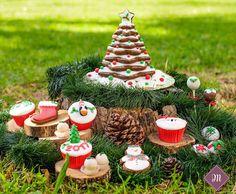 Οι Χριστουγεννιάτικες δημιουργίες μας! Cupcake Shops, Cake Pops, Bakery, Sweets, Christmas Ornaments, Holiday Decor, Home Decor, Cake Pop, Sweet Pastries