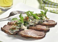 And med champignon a la creme  Nyd frokosten på terrassen med et lækkert stykke smørrebrød.