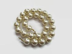 Hoi! Ik heb een geweldige listing op Etsy gevonden: https://www.etsy.com/nl/listing/192389024/vintage-pearl-choker-faux-parelketting