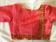 Simple blouse back neck design patterns - Kurti Blouse Simple Blouse Designs, Saree Blouse Neck Designs, Stylish Blouse Design, Choli Designs, Designer Blouse Patterns, Design Patterns, Blouse Models, Collor, Work Blouse