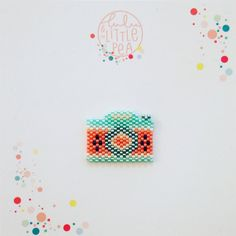 PIN camera woven in beads miyuki delica-watermelon - weaving peyote atmosphere Seed Bead Patterns, Peyote Patterns, Loom Patterns, Beading Patterns, Brick Stitch Earrings, Peyote Beading, Beaded Animals, Bead Jewellery, Bijoux Diy