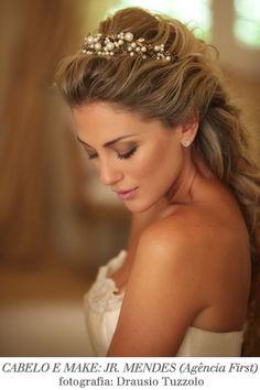 Apesar de gostar de cabelo preso para o casamento, amo esse!