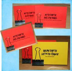 Diese kleinen Kärtchen erleichtern den Schulalltag. Anstatt ständig Ermahnungen auszusprechen, stellt man sie dem betroffenen Schüler/in einfach auf den Tisch. Die Buchklemmen sind perfekt, um sie stehen zu lassen, aber nicht zu groß, um störend zu sein. Die Gelbe Karte signalisiert die Verwarnung und zeigt sie dem Schüler während des fortlaufenden Unterrichts präsent. Da die …