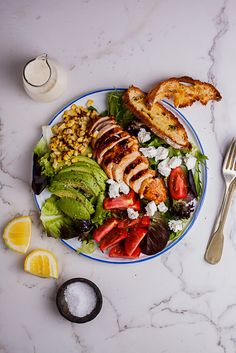 Spicy roast chicken salad with creamy lemon dressing and ciabatta toasts is a great recipe for easy summer dinners. #chicken #easyrecipe #salad #summer #dinnerrecipe Spicy Roast Chicken, Roasted Chicken, Chicken Salad, Crispy Chicken, Ciabatta, Salad Dressing, Soup And Salad, Big Salad, Salad Bar
