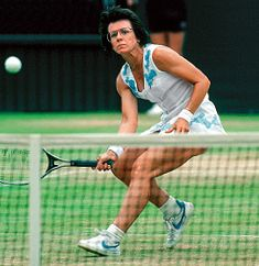 BILLIE JEAN KING -) Advocate for equality in sports and society, King famously defeated Bobby Riggs in the battle of the sexes tennis match in Billie Jean King, Billy Jean, Tennis Legends, Tennis Players Female, Tennis Match, Tennis Stars, Sports Stars, World Of Sports, Female Athletes