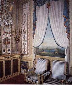 Antiques in Italian Interiors