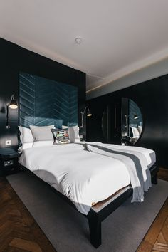 One of the rooms in The Hoxton Hotel, Shoreditch, for our feature in issue 2 of Lagom magazine. Photo by Dan Rubin.