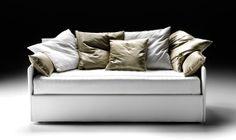GEMELLI, il divano della collezione zodiaci così bello e comodo diventa anche un meraviglioso letto e un capiente contenitore.