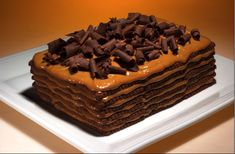 In Argentina we have this delicious cake. we call it chocotorta. it uses dulce de leche and Chocolinas (chocolate cookies) Love Eat, Love Food, Choco Torta, Argentina Food, Icebox Cake, Dessert Recipes, Desserts, Chocolate Cookies, Chocolate Food