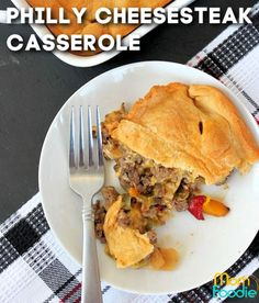 This Philly Cheesesteak Casserole is made with ground beef and a crescent roll top. An easy dinner and great when craving comfort food. Philly Cheese Steak Casserole Recipe, Easy Casserole Recipes, Savory Breakfast, Breakfast Recipes, Ground Beef Recipes Easy, Crescent Rolls, Cheesesteak, Cravings, Dinner