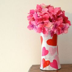 Sparkle Mod Podge is one of my favorite formulas! It really glitters in this DIY valentine vase made with tissue paper - such an easy kids craft! Valentines Bricolage, Easy Valentine Crafts, Valentines Day Decorations, Love Valentines, Holiday Crafts, Valentine Gifts, Valentine Hearts, Holiday Themes, Holiday Ideas
