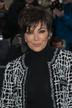 Pin for Later: 12 Fascinating Facts You May Not Have Known About Kris Jenner Kris Jenner was born Kristen Mary Houghton. Short Thick Wavy Hair, Pixie Haircut For Thick Hair, Short Hair Cuts For Women, Short Hairstyles For Women, Short Hair Styles, Cabelo Kris Jenner, Estilo Kris Jenner, Kris Jenner Style, Short Sassy Haircuts