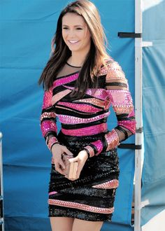 Nina Dobrev arriving at the Teen Choice Awards 2015 at the USC Galen Center on August 16, 2015 in Los Angeles, California. [HQs]
