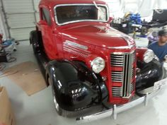 1937 gmc pick up 350 small block T bird rack 4wheel disc brakes Air ride