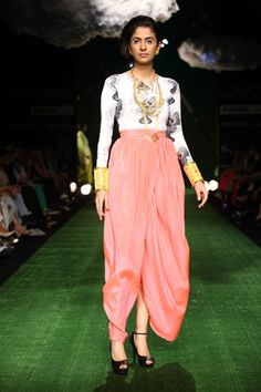 Fan print lycra bodysuit with Pink dhoti skirt African Dress, Indian Dresses, Indian Outfits, Indian Clothes, Indian Salwar Kameez, Lakme Fashion Week, Indian Couture, Hot Outfits, Fashion 101