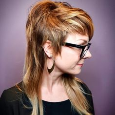 Freaking rad You are in the right place about punk hair long Here we offer you the most beautiful pi Long Asymmetrical Haircut, Edgy Short Haircuts, Haircuts For Long Hair With Layers, Funky Hairstyles, Long Hair Cuts, Pretty Hairstyles, Haircut Long, Punk Haircut, Edgy Long Hair