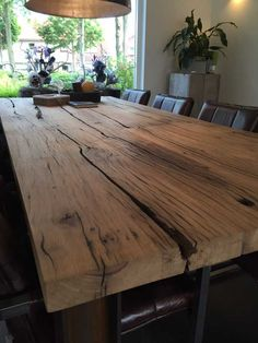 Afbeeldingsresultaat voor wagonhout salontafel Table Plancha, Food Court, Dining Room Table, Sweet Home, Rustic, Furniture, Home Decor, Dining Table, Solid Wood