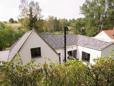 Rodinný dům od studia DDAANN vychází z venkovského prostředí | EARCH. Studios, Shed, Outdoor Structures, Barns, Sheds