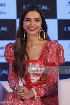 News Photo : Deepika Padukone unviels L'Oreal Paris' 'The...
