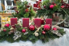 holiday red candlestick art design ideas Latest fashion trends for women sumcoco com Christmas Table Centerpieces, Decoration Christmas, Christmas Arrangements, Xmas Decorations, Holiday Decor, Holiday Ideas, Advent Candles, Christmas Candles, Christmas Wreaths
