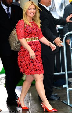 Growing anticipation: Clarkson, seen here leaving Good Morning America in New York in October in a red lace dress, is expecting a girl Curvy Women Fashion, Plus Size Fashion, Kelly Clarkson Wedding, Gold Dress, Lace Dress, Badass Women, Celebs, Celebrities, Famous Women