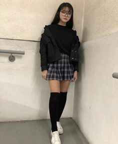 unusual grunge outfits ideas for women to try this season 11 ~ Modern House Design Source by leahironsidee ideas grunge Tumblr Outfits, Kpop Outfits, Edgy Outfits, Korean Outfits, Retro Outfits, Grunge Outfits, Cute Casual Outfits, College Girl Outfits, School Uniform Outfits