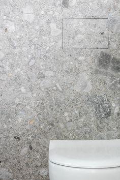 Potier Stone komt met een bijzonder product op de markt. Unseen: een in steen geïntegreerde druktoets, op maat gemaakt en gepersonaliseerd…