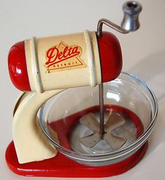 1930's toy Delta Detroit mixer and bowl set