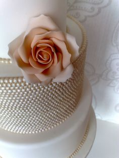Small Things Iced: Vintage Pearl & Rose Wedding Cake