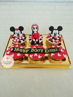Mickey Mouse themed cup cake