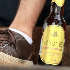 A Nessie é uma cerveja fabricada com malte de whisky de Highland na Escócia.  Esta especialidade matura durante 2 meses antes de seu engarrafamento e tem um paladar agradavelmente defumado.  Pode parecer que não mas é bem leve e refrescante! | #Cerveja #CervejaArtesanal #Cervejeiro #Cervejas #CervejasArtesanais #Beer #Beers #CraftBeers