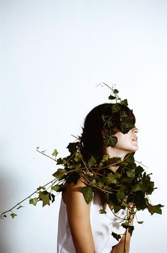 Overgrowth by photographer Parker Fitzgerald and floral designer Riley Messina | iGNANT.de