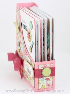 Mother's Day Gift Idea : Make her a gift box of cards! #Silhouette #PaperCraft (from Krafting Kelly)