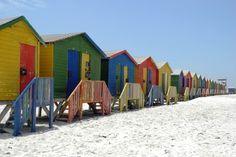 Die Strandhäuser in Muizenberg sind ein beliebtes Fotomotiv in Südafrika. #Südafrika #Fotografie #Strandhaus