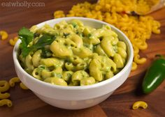 Spicy Guac Mac n Cheese from Wholly Guacamole (with GF pasta! Macaroni Cheese, Mac Cheese, Cheddar Cheese, Spicy Mac And Cheese, Wholly Guacamole, Cooking Recipes, Spicy Recipes, Cheese Recipes, Yummy Recipes