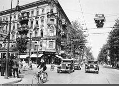 Berlin Photos, Underground World, The Second City, West Berlin, Berlin Germany, Historical Photos, World War Ii, Night Life, Beautiful Places