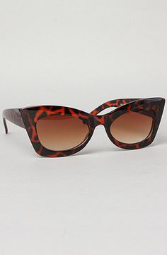 #sunglasses #retro #cateye