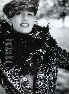Susan Holmes and Christy Turlington by Arthur Elgort for Vogue Paris, 1991 Arthur Elgort, Christy Turlington, Vogue Paris, 90s Party Outfit, 90s Outfit, Susan Holmes, 90s Fashion Grunge, 90s Grunge, 90s Hairstyles