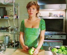 frequent google searches to find this green dress have never proved fruitful.(GET IT GET IT?? @Jan Wilke turner)