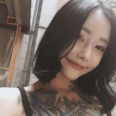 Asian Tattoo Girl, Asian Tattoos, Sexy Tattoos, Girl Tattoos, Tattoo Girl Instagram, Piercing, Asian Kids, Beautiful Asian Women, Ulzzang Girl