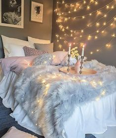 bedroom decor ideas for teens; Small and warm cozy bedroom ideas; Pink and grey bedroom;Minimalist home design. Bedroom Night, Cozy Bedroom, Modern Bedroom, Summer Bedroom, Bedroom Simple, Pretty Bedroom, White Bedroom, Dream Rooms, Dream Bedroom