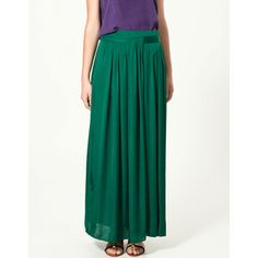 Emerald Maxi Skirt from Zara. Spotted it in Budapest, bought it in Oxford. I Looovee it.