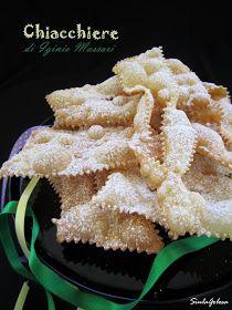 Siula Golosa: Chiacchiere di Iginio Massari Crostoli Recipe, Pasta Maker, Recipe For Mom, Frappe, Mini Desserts, Christmas Treats, Sugar Cookies, Frittata, Italian Recipes