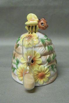 Vintage Bumble Bee Kitchen Egg Timer - Japan