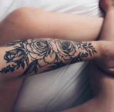 50 Arm Floral Tattoo Designs for Women 2019 – Page 19 of 50 Trendy Tattoos, Unique Tattoos, Beautiful Tattoos, Tattoos For Guys, Girls With Sleeve Tattoos, Feminine Tattoos, Dream Tattoos, Body Art Tattoos, Tatoos